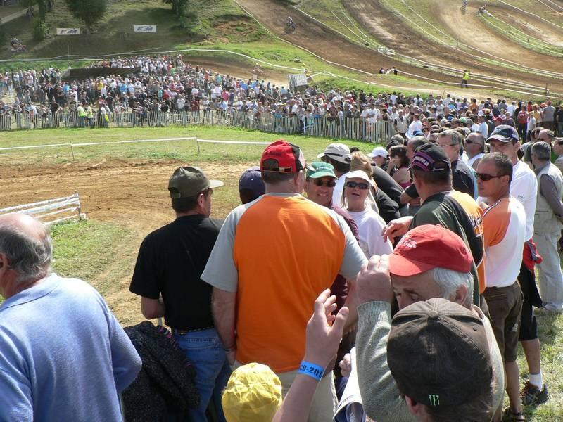 Il y avait foule sur le terrain des Rois en ce jeudi 14 juillet 2011. Merci de votre fidélité et rendez-vous le 21 août pour le second motocross de l'été!
